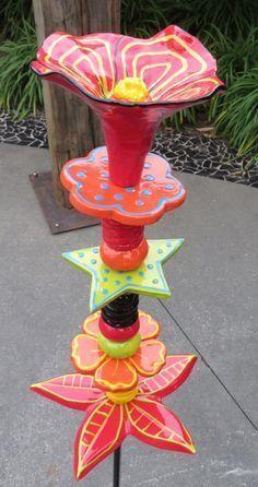 Garden Totems Ideas – Greenest Way Garden Totems Ideas – Greenest Way Ceramic Bisque, Ceramic Clay, Ceramic Pottery, Ceramic Studio, Ceramics Projects, Clay Projects, Totem Pole Art, Garden Totems, Tree Sculpture