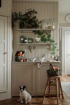 Beautiful Interior Design, Beautiful Interiors, Interior Design Inspiration, Home Decor Inspiration, Kitchen Interior, Kitchen Design, Camden House, Swedish Farmhouse, Natural Home Decor