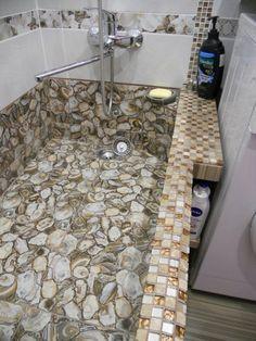 "This guy made very original repair of a bathroom of a minimum of means. Now I also want such  a bathtub.\"" – Make Sam-Sdelay. Bathroom Tile Inspiration, Beautiful Bathrooms, Modern Bathrooms Interior, Glamorous Bathroom Decor, Bathroom Sink Decor, Diy Bathroom Design, Bathroom Interior Design, Bathroom Graffiti, Bathroom Design"