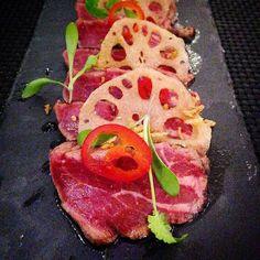 BEEF TATAKI @sakanamcr  #newmenu #beef #searedbeef #guacamole #chillies #tataki  #mdog #manchester #dining #asian #panasian #finedining #foodporn by mdog_manchester