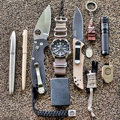 Holy hell - this guy reached into my drawer ad grabbed an EDC. Good Stuff…