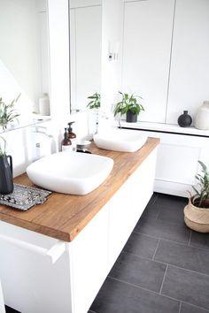 Badezimmer selbst renovieren waschtisch-selbst-bauenSalle de bains: 15 idées pour avoir une douche et une baignoireDuschabtrennung untenbadideen fliesen holzoptik behegbare dusche. Attic Bathroom, Bathroom Basin, Wood Bathroom, Bathroom Flooring, Small Bathroom, White Bathrooms, Bathroom Modern, Dark Floor Bathroom, White Bathroom Furniture