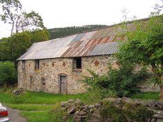 Barn at Ty'n-llwyn - geograph.org.uk - 227065 - Ysgubor - Wicipedia