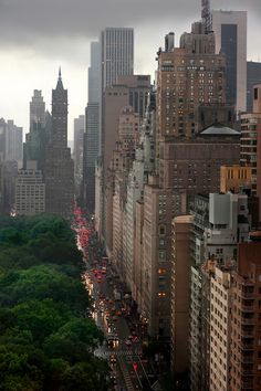 NYC - Central Park South - my favorite place on the planet Places To Travel, Places To See, Time Travel, Travel Destinations, Magic Places, Ville New York, Voyage New York, Central Park Nyc, Blue Ridge Mountains