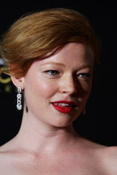 Sarah Snook Photos - Sarah Snook arrives at the 2012 AACTA awards at the Sydney Opera House on January 2012 in Sydney, Australia. Red Hair Color, Eye Color, Sarah Snook, Aacta Awards, Brian Cox, Under The Knife, Best Dramas, Celebrity Crush, Gq