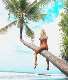 I'm Camila Alderete and from Argentina! My dream is learn to surf,live in Hawaii, my favourite place in the world is the beach on a sunny day. Beach Bum, Summer Beach, Summer Vibes, Girl Beach, Surf Live, Fashion Fotografie, Learn To Surf, Summer Photos, Foto Pose