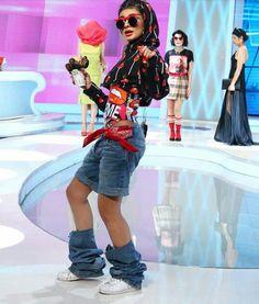 """Marisa , """"Fetița Fashion"""" a încercat să aducă o ținută de Bravo , ai stil ! , dar nu i-a mers . Explicația Ralucăi Bădulescu a surprins-o :""""Când stai pe scaun zici ca esti pe WC!"""""""