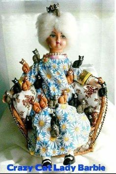 Cat Lady Barbie omg this will be me in my later years surrounded by my cats! Old Cats, Cats And Kittens, Crazy Cat Lady, Crazy Cats, Bad Barbie, Barbie Cat, Barbie Funny, Barbie Humor, Barbie Style