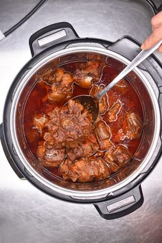 Instant Pot, Oxtail Soup, Stew, Oxtail Meat, Pressure Cooker Recipes, Pressure Cooking, Slow Cooker, Cooking Ribs, Cooking Turkey
