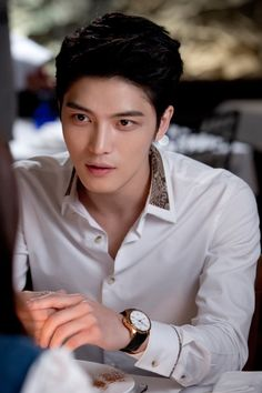 Drama 'Triangle' with Kim Jaejoong surpasses 100 million views in China 140620