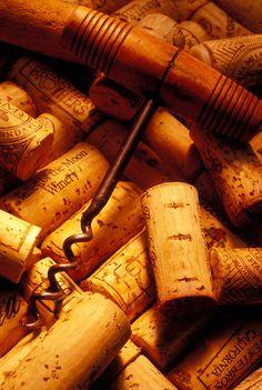 *Corkscrew and wine corks