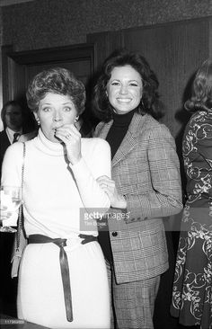 American actresses Polly Bergen (left) and Jo Ann Pflug attend the premiere 'Shampoo' (directed by Hal Ashby) at the Columbia Pictures Screening Room, New York, New York, February 1975