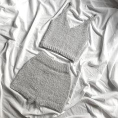 Mode Crochet, Knit Crochet, Crochet Clothes, Diy Clothes, Crop Top And High Waisted Shorts, Look Girl, Knit Shorts, Mode Inspiration, Crochet Designs