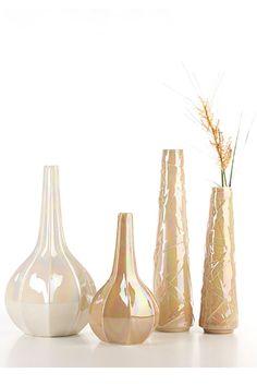 Berlin & CrissCross #ceramics #homelivingceramics #white #homeaccessories #interiordesign   www.arfaigm.com