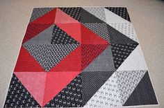 Off-Center Quilt - beautiful This is great because you don't really need a pattern, per se, just look at the photo for placement/value. Could easily be made any size from mug rug to king size!