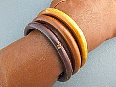 Bracelet Carved Wood Bangles 3 China Vintage (Image1)