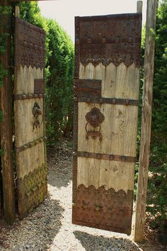 rustic wooden garden gate metal almost looks like lace Wooden Garden Gate, Garden Doors, Patio Doors, Garden Gates, Dream Garden, Home And Garden, Herb Garden, Modern Garden Design, Fence Gate