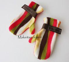 fleece mittens DIY gonna try making these for my littlest monster :-)