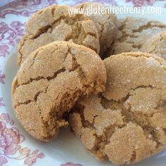 These gluten-free soft & chewy molasses cookies are sure to fill your holiday with cheer. Familiar flavors of ginger and molasses make for one tasty cookie. Cookies Gluten Free, Gluten Free Christmas Cookies, Gluten Free Cookie Recipes, Gluten Free Sweets, Gluten Free Baking, Yummy Cookies, Holiday Cookies, Cookies Soft, Homemade Cookies