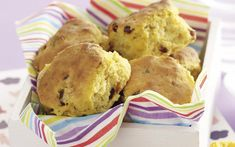 Pumpkin and Date Scones Dried Dates, Pumpkin Recipes, Cake Recipes, Dessert Recipes, Desserts, Biscuit Cookies, Muffin Bread, Coffee Cake, Quick Bread