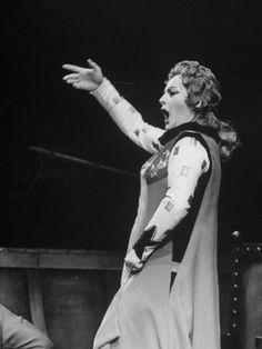 """Birgit Nilsson in Wagner's """"Tristan und Isolde""""."""