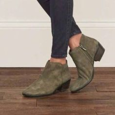 6111fab17 Sam Edelman Moss Petty Suede Boots Clearance Shoes