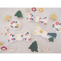 やっとイベントの準備が終わりそうです! あとは値札付けたり梱包したり . 嬉しいことにInstagramでのフォロワーが600を超えました! ありがとうございます♡ なにかプレゼント企画でもできたらなと思ってますのでその時はどうぞよろしくお願いします◡̈ . #刺繍 #ハンドメイド #アクセサリー #ブローチ #brooch #embroidery #handmaid #accessory #ricamopoco