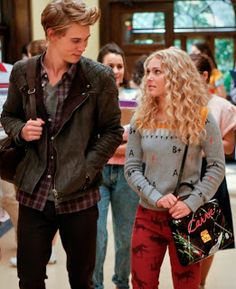 The Chick Lit Bee: Chick Lit On TV: The Carrie Diaries, Episode 2
