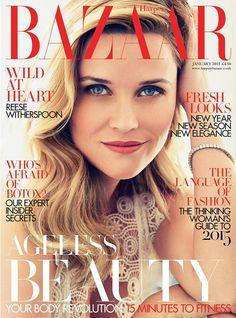 Reese Witherspoon pretty on the cover of Bazaar January 2015.  Simples e linda a capa da Haper's Bazaar do próximo ano - que está logo ali. Mérito da bela atriz,  Reese Witherspoon, que aparece com uma beauté super clássica e certeira.