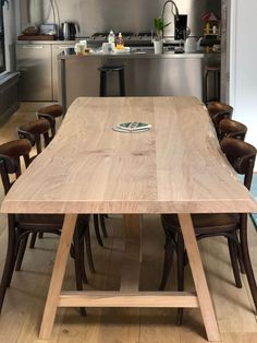 Table signature Modern Interior, Interior Architecture, Rustic Table, Tablescapes, Dining Table, Conference Room, Desk, Wood, Furniture
