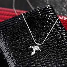 International Group Fashion Jewelry Sliver Plated Diamond Crystal Cross Necklace pendant for Woman 19 inch Necklace Chain Diamond Pendant Necklace, Necklace Chain, Rhinestone Necklace, Crystal Rhinestone, Simple Necklace Designs, Infinity Cross Necklaces, Buying An Engagement Ring, How To Make Necklaces, Silver Accessories