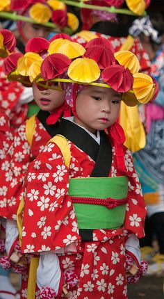 Little girls dressed in kimono for the festival at Meiji shrine, Tokyo, Japan
