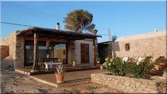 mediterrán családi házak - Luxuslakások Gazebo, Pergola, Ibiza, Outdoor Structures, House Styles, Tiny House Cabin, Little Houses, Kiosk, Pavilion