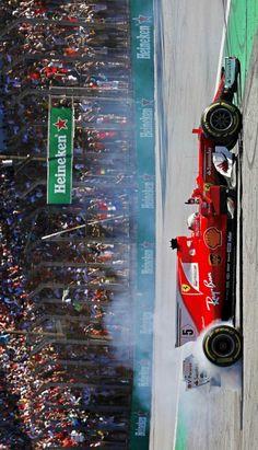 2017/11/13:Twitter: @sebvettelnews  : ☝️ #BrazilGP  #F1 #Vettel #Seb5