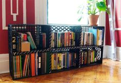 Fun ideas for DIY upcycled milk crate furniture and home decor made from repurposed milk crates. Milk Crate Bench, Milk Crate Shelves, Milk Crate Furniture, Milk Crate Storage, Crate Table, Crate Bookshelf, Book Storage, Storage Ideas, Wall Bookshelves Kids