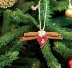 30 Handmade Christmas Decorations with Cinnamon Sticks Adding Seasonal Aroma to Green Holiday Decor