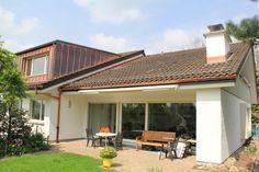 Komplette Sanierung des Dachs sowie Erweiterung des Dachstockes mit einer Gaube.