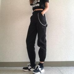 - High waist pants camouflage loose joggers women army harem camo pants streetwear punk black cargo pants women capris trousers Source by vanilleviola - Tumblr Outfits, Edgy Outfits, Mode Outfits, Grunge Outfits, Hipster Outfits, Cargo Pants Outfit, Cargo Pants Women, Pants For Women, Clothes For Women