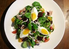 Healthy meal-in-a-bowl salad with beets, tuna, boiled egg, and cherry tomatoes -- use 6 ounces tuna here. Perfect for Phase 3, or adapt this tasty salad for H-Burn: Use watercress, and swap another veggie for the tomatoes -- mushrooms, quartered artichoke hearts, or cucumbers would be great.