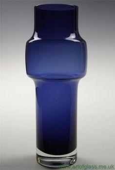Riihimaki Tamara Aladin Scandinavian vintage 1970s indigo glass vase Cobalt Glass, Cobalt Blue, Glas Art, Stromboli, Glass Vessel, Retro Art, Glass Collection, Glass Design, Colored Glass