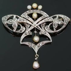 Art Nouveau brooch with rose cut diamonds and pearls