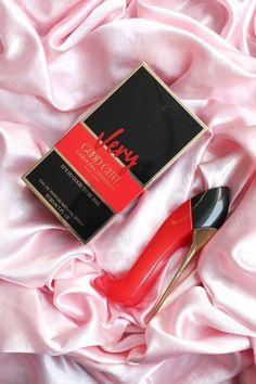 Parfum Chic, Very Good Girls, Perfume Scents, Perfume Collection, Smell Good, Carolina Herrera, Cool Girl, Ideas, Style