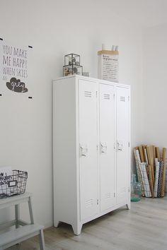 White gray tilburg 11