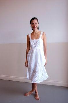 5dfa2b5adb 120% lino  so simple! Green Wedding Dresses