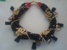 Collar de serpientes
