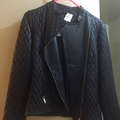 "Leather jacket/ Blank quilted leather. Size XS NWT mAKE me an OFFER using the ""OFFER"" option. Reiss Jackets & Coats"