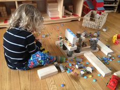 Introduction to Block Building with Children - Homegrown Friends Block Center, Block Area, Construction Area Ideas, Math Activities For Toddlers, Family Day Care, Block Play, Dramatic Play, Legos, Kids Playing