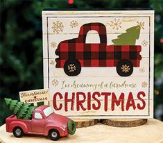 Create a farmhouse truck display! KP Creek Gifts - I'm Dreaming of a Farmhouse Christmas Box Sign. #oldfashionedtruck #countrychristmas #farmhousedecor #countrydecor #truckdisplay