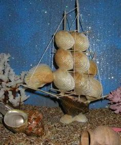 Crafts from shells. DIY crafts from shells: where and how to apply shells brought from the sea DIY Christmas tree toys from shells Christmas Tree Toy, Christmas Tree Decorations, Christmas Diy, Arts And Crafts, Diy Crafts, Seashell Crafts, Shell Art, Beach Art, Cool Things To Make