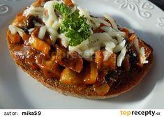 Žampionová směs na topinky recept - TopRecepty.cz Baked Potato, Hamburger, Sandwiches, Stuffed Mushrooms, Toast, Good Food, Appetizers, Meals, Ethnic Recipes